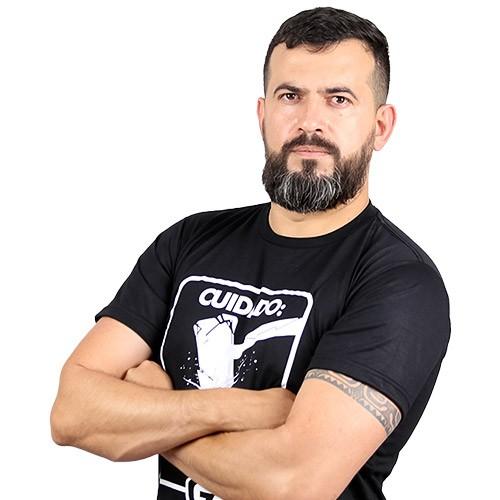 Daniel Vasconcelos de Araújo